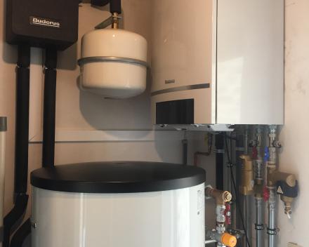 Ververken Pedro - Plaatsen van verwarmingsketel (condensatieketel) + zonneboiler Ieper